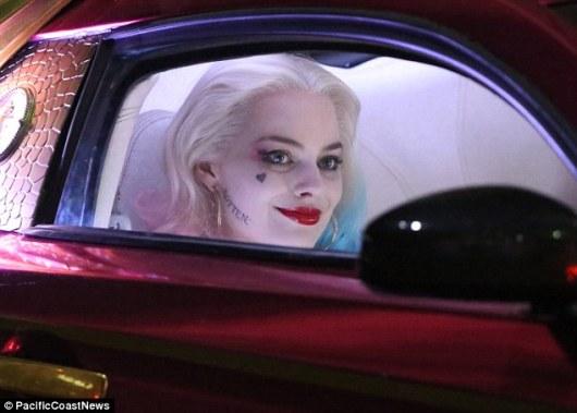 Harley in Joker's car